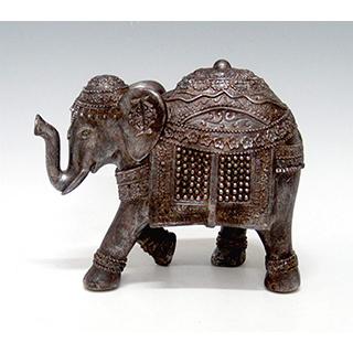 Éléphant brun