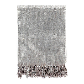 Jeté métallique argent en tricot 100% viscose