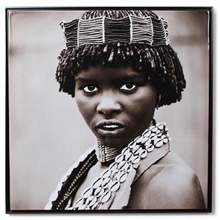 Cadre femme indigène