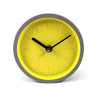 Horloge de table gris ciment et jaune