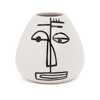 Vase figure
