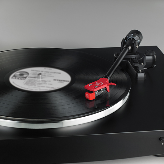 Table tournante à courroie Audio-Technica